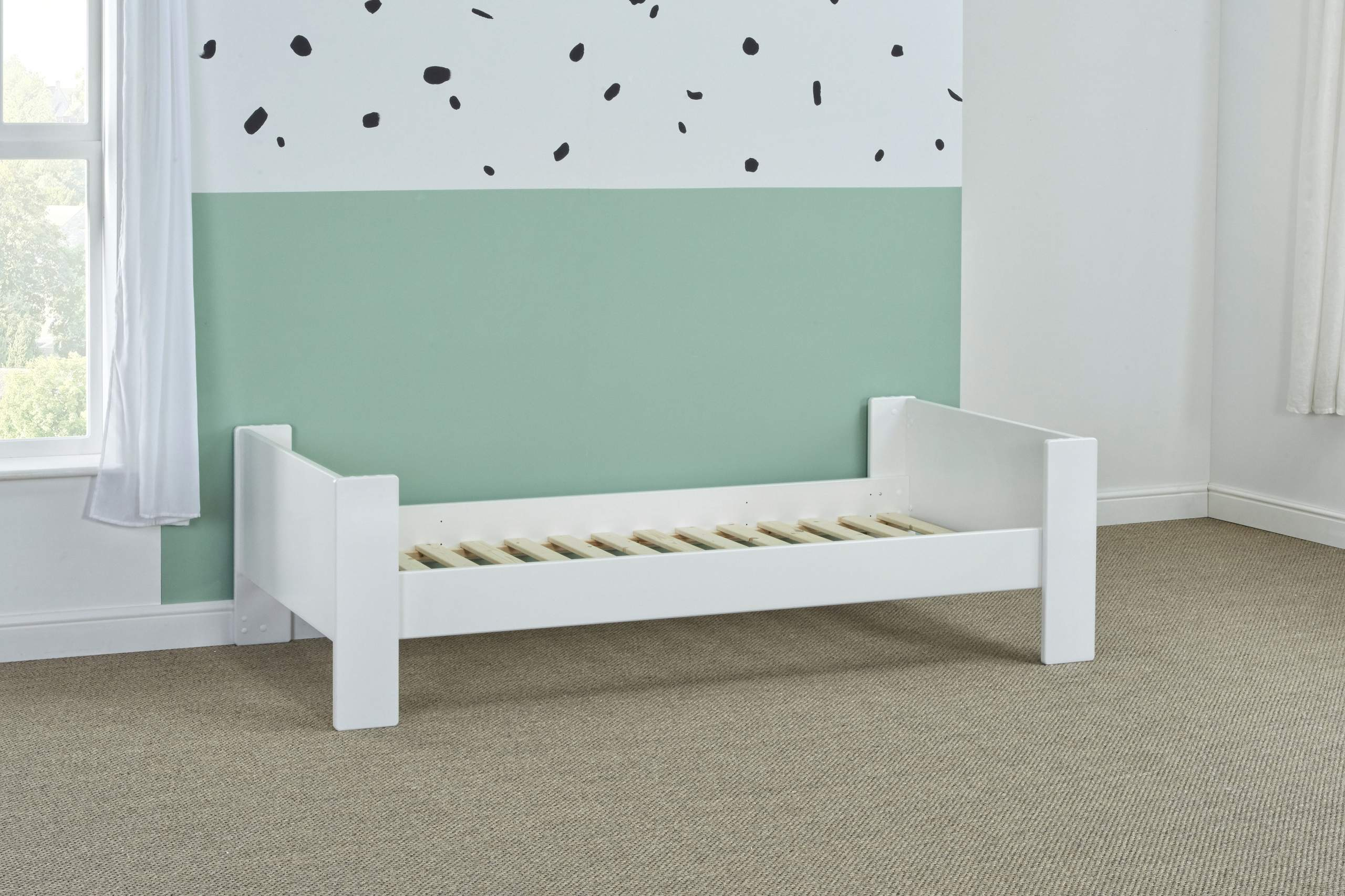Bloc single bed - naked angle